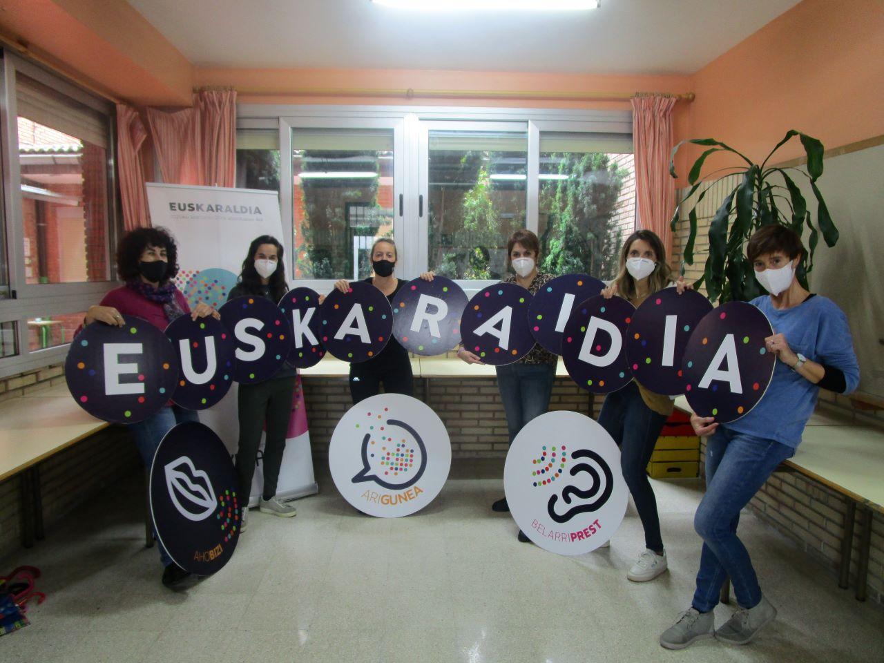 ARRATEKO ANDRA MARI Irakasle taldea 1